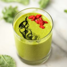 Glowing Green Smoothie   A nutrient-packed, sweet, and creamy way to get your daily dose of greens!