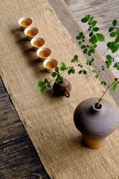 ♏︎ Chinese Tea Room, Zen Tea, Zen Style, Tea Culture, Japanese Tea Ceremony, Tea Art, How To Make Tea, Ikebana, Drinking Tea