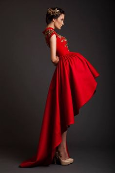 Krikor Jabotian created a stunning couture collection for Spring/Summer 2014 with majestic gowns in royal red and champagne. Haute Couture Gowns, Couture Fashion, Fashion Wear, Paris Fashion, Krikor Jabotian, Wedding Dresses 2014, Festa Party, Beautiful Gowns, Dream Dress