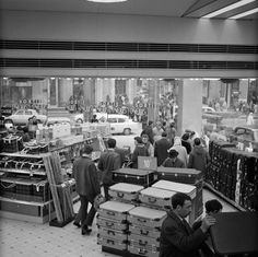 Department store in Paris France 1965 | Nationaal Archief