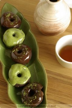 Matcha & Chocolate Donuts