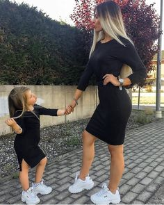 The latest dress trends for the latest new fashion trends, outfit ideas, celebrity style, designer news and runway looks. Mother Daughter Matching Outfits, Mommy And Me Outfits, Matching Family Outfits, Mother Daughter Fashion, Mom Daughter, Baby Girl Fashion, Kids Fashion, Fashion Ideas, Fashion Quotes