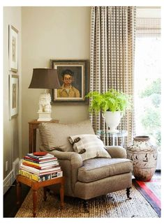 Room Corner, Corner Chair, Living Room Furniture, Living Room Decor, Living Spaces, Dining Rooms, Cozy Reading Corners, Reading Nooks, Reading Chairs