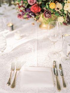 La Tavola Fine Linen Rental: Beatrice Garden Alabaster | Photography: Rachel Havel, Coordination: Bluebird Productions, Floral Design: Prema