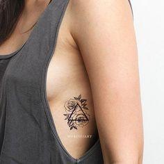 Stomach Tattoos Women, Rib Tattoos For Women, Tiny Tattoos For Girls, Small Tattoos, Boho Tattoos, Mini Tattoos, Sexy Tattoos, Ab Tattoo, Tattoo Und Piercing