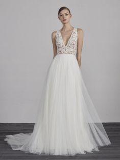 Svatební šaty 2019 již v NUANCI, model Pronovias 2019 ESPIGA