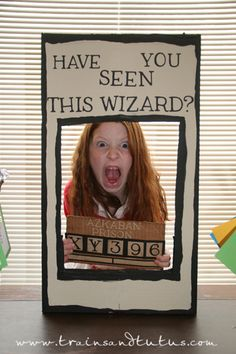 Ways To Throw The Ultimate Harry Potter Birthday Party Let your kiddos do their best Sirius Black impression in this photo booth.Let your kiddos do their best Sirius Black impression in this photo booth. Deco Noel Harry Potter, Harry Potter Motto Party, Harry Potter Fiesta, Classe Harry Potter, Harry Potter Thema, Cumpleaños Harry Potter, Harry Potter Halloween Party, Harry Potter Classroom, Harry Potter Christmas
