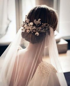 Floral clip and veil