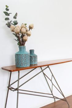: Use a Vintage ironing board as console in a boho or modern farmhouse space Boho Living Room, Coastal Living, Vintage Decor, Vintage Furniture, Modern Farmhouse, Farmhouse Decor, Vintage Ironing Boards, Nautical Bedroom, Woodland Party