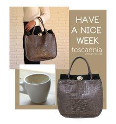 Cocco Grey leather handbag by Toscannia. www.toscannia.com  Toscannia, Italian leather handbags.  Toscannia, Bolsos de piel italianos.