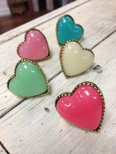 I love these sweet pastel heart rings :)