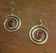 Turmalin taşından 925 ayar Gümüş küpelerimiz.. #kupe #küpe #earring #earrings #turmalin #tourmaline #gem #gems #gemstone #doğaltaş #dogaltas #silver #gumus #gümüş #925ayar #925k