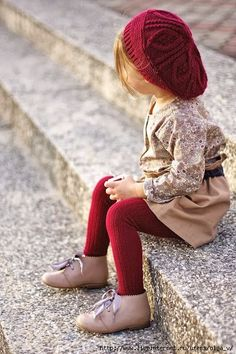 I love the red beret! Jacket, blouse and skirt by Grain de Chic, shoes by Chupete Paris, beret and bag by Zara - Vivi & Oli Baby Fashion Life Girl Fashion Style, Fashion Mode, Little Girl Fashion, Toddler Fashion, Look Fashion, Kids Fashion, Babies Fashion, French Fashion, Fashion Styles