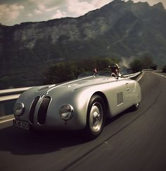 1939, BMW 328 Touring Coupe, Germans Hashke von Hanshteyn and Walter Baumer won the Mille Miglia race with an average speed of 166.7 km/h