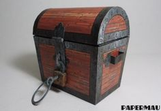 Paperized Crafts: Old Treasure Chest Paper Model Buried Treasure, Treasure Chest, Gi Joe, Dolly House, Free Paper Models, Paper Art, Paper Crafts, Halloween Miniatures, Antique Chest