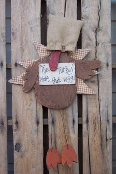 Sneaky Turkey Wood Craft Pattern For Fall And Thanksgiving Burlap