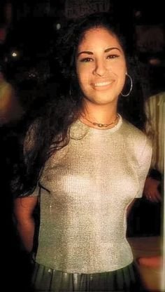 Photo of Selena ♥. for fans of Selena Quintanilla-Pérez 28912181 Selena Quintanilla Perez, Selena And Chris, Selena Selena, Selena Pics, Mundo Musical, Aaliyah Haughton, Jackson, Female Singers, Queen