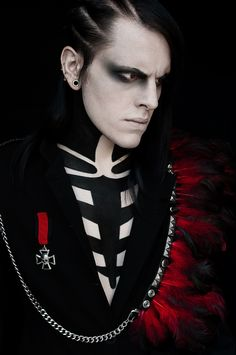 goth gothic man men makeup hot sexy eyecandy