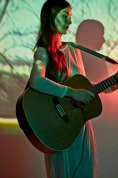 UO SOUND – WEYES BLOOD We invited Weyes Blood (aka Natalie Mering) to perform a track from her latest album, The Innocents. Sit down, relax, and enjoy this stripped back version of Be Free.