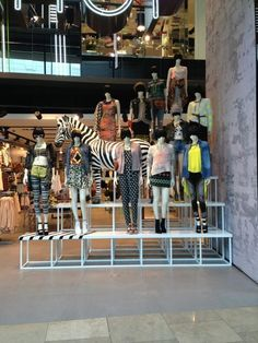 Topshop, London. Now that is what I call a mannequin moment!!!