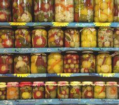 of pickles Marinated Olives, Seasonal Food, Love Eat, Turkish Recipes, Winter Food, Food Preparation, Superfood, Bon Appetit, Pickles