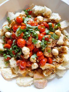 Caprese Panzanella Salad | tomatoboots.co