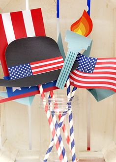 Download our free 4th July photo props - perfect for a Fourth of July party! Just one of many great 4th July party ideas on the Party Delights blog! Perfect for an American-themed party.