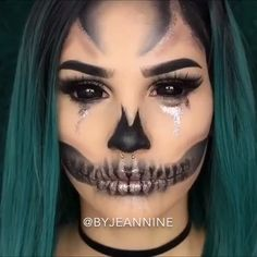 Looking for for ideas for your Halloween make-up? Browse around this site for creepy Halloween makeup looks. Amazing Halloween Makeup, Halloween Eyes, Halloween Season, Easy Halloween, Halloween Skull Makeup, Women Halloween, Kids Halloween Face Paint, Kids Zombie Makeup, Easy Skeleton Makeup