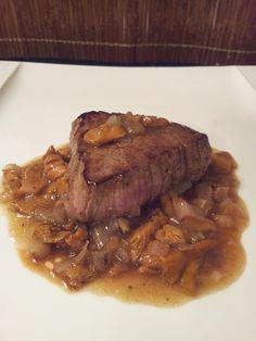 Une petite recette simple et rapide de tournedos sauce champignons, que l'on peut servir avec des pommes de terre sautées..