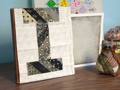 I - quilt letter Quilting Tutorials, Sewing Tutorials, Quilting Ideas, Alphabet Quilt, Alphabet Blocks, How To Make Letters, Fabric Letters, Basic Grey, Alphabet And Numbers