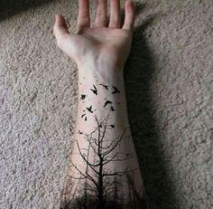 Ağaç kuş etkileyici dövme