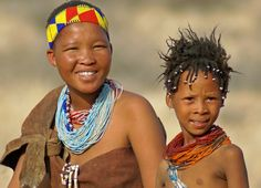Africa | San people (Bushmen) the first inhabitants of Namibia | ©Corrie de Winter