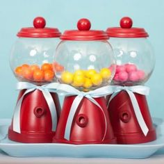 bubblegum machines from a clay pot! I am soooo making some of these, for cat treats, and Callies hair preeties