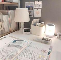 Study Desk, Study Space, Study Room Decor, Bedroom Decor, Desk Inspiration, Desk Inspo, Study Corner, Study Areas, Aesthetic Room Decor