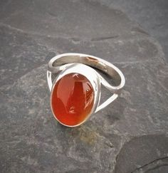 SabineDR - Elegant sterling silver ring with carnelian cabochon