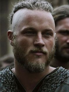 """I was sick as a dog this past weekend so a friend of mine uploaded """"Vikings"""" season 1 on my ipad and I watched the entire season in two days. Vikings Actors, Vikings Show, Vikings Season, Vikings Tv Series, Vikings 2016, Lagertha, Ragnar Lothbrok Vikings, Ragnar Lothbrok Haircut, Travis Vikings"""