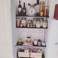 Køkken Floating Shelves, Home Decor, Decoration Home, Room Decor, Wall Shelves, Home Interior Design, Home Decoration, Interior Design