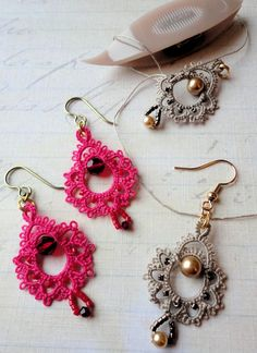 Patterns Free Bead Tatting | Yarnplayers Tatting Blog: Simply Giddy tatted earrings