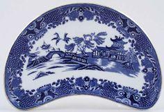 ✿ڿڰۣ(̆̃̃•Aussiegirl. Crescent Side Dish c1920s  Burleigh  Willow