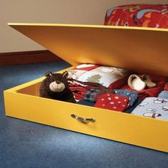 40 Smart Under The Bed Storage Ideas | ComfyDwelling.com #PinoftheDay #smart #UnderTheBed #bed #storage #ideas