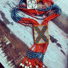 O artesanato no Xingu é manifestação artística e uma forma de adornar o corpo.   Hoje conheci o KIKRÉ, uma iniciativa que busca a valorização da cultura indígena através do artesanato local.     As peças são fantásticas! Aproveite que sexta feira é Dia do Índio e marque esta data apoiando a cultura. Os cariocas podem visitar o Atelier no Jardim Botânico.     Entre em contato com o Kikré.  Kikrecontato@gmail.com  21 9640-1711