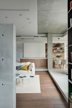 """This Apartment's Owner Asked Designers To Create A """"Cozy Open Space"""""""