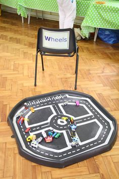 Wheels tuff tray - counting car park Childcare Rooms, Childcare Activities, Activities For Boys, Home Learning, Learning Through Play, Role Play Areas Eyfs, Tuff Tray Ideas Toddlers, Early Years Classroom, Continuous Provision