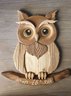Dremel Wood Carving, Wood Carving Art, Wood Art, Woodworking Projects That Sell, Woodworking Workshop, Diy Wood Projects, Owl Crafts, Diy Home Crafts, Arts And Crafts