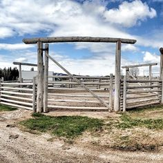 Round pen from Heartland - I would love to have this round pen.