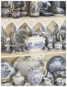 ohhh I like this, blue and white china what can I say! Aiken House & Gardens: Spring Cupboard
