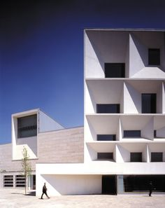 MANSILLA+TUÑÓN ARCHITECTS - LEÓN AUDITORIUM.1994-2002.