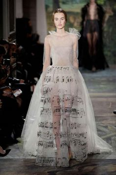 Marchesa Haute Couture Spring 2014...love this skirt, but wouldn't wear it lol