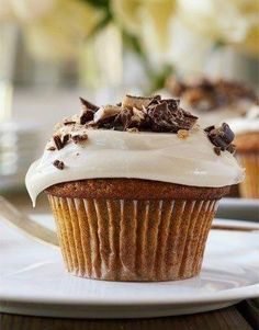 Barefoot Contessa pumpkin cupcakes with maple frosting