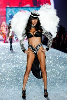 Victoria's Secret Fashion Show Adriana Lima Brazillian model VS angel